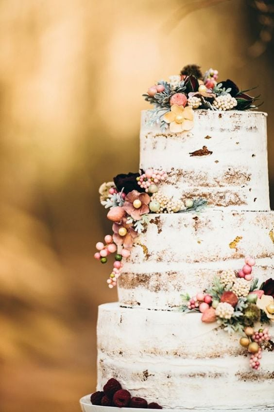 A statement baroque inspired wedding cake