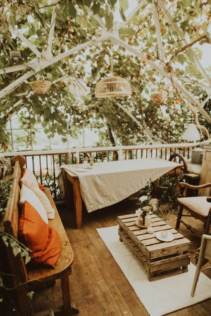Scottish wedding lounge on Mull, planned and styled by Knot & Pop with photography by India Earl