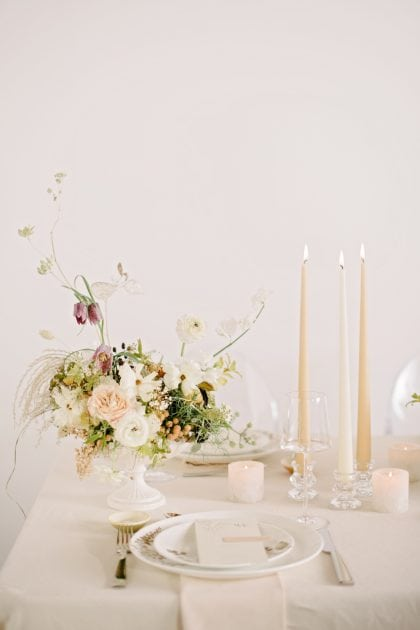 A pale wedding palette for wedding inspiration with Vera Wang X Wedgwood